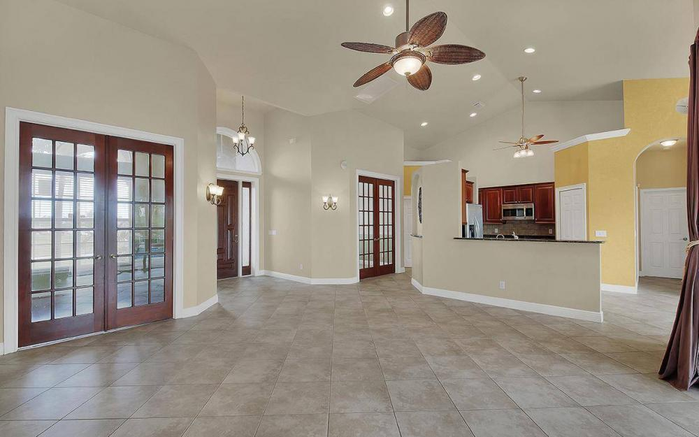 3702 SW 2nd St, Cape Coral - House For Sale 436035509