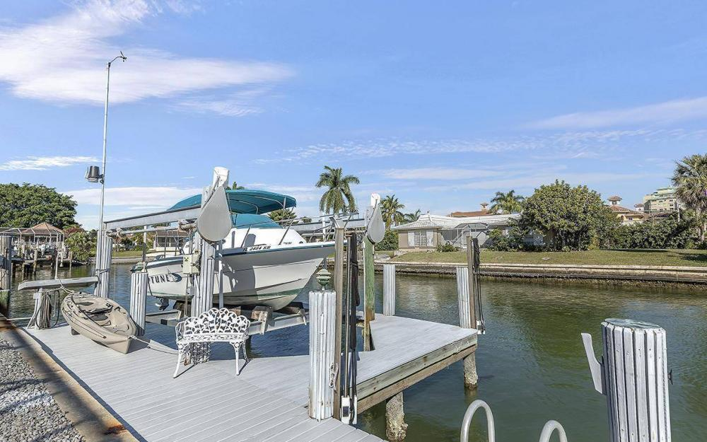 874 Magnolia Ct, Marco Island - House For Sale 1862186337