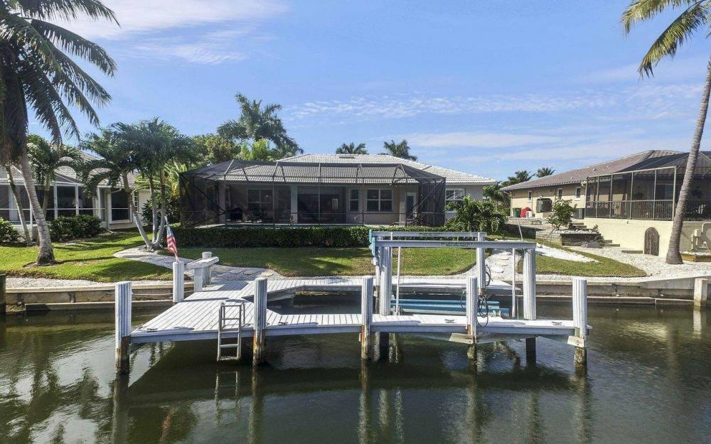 67 Madagascar Ct, Marco Island - House For Sale 172545033