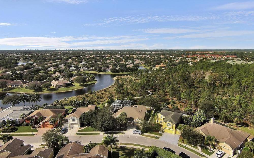 301 Spider Lily Ln, Naples - House For Sale 40167226
