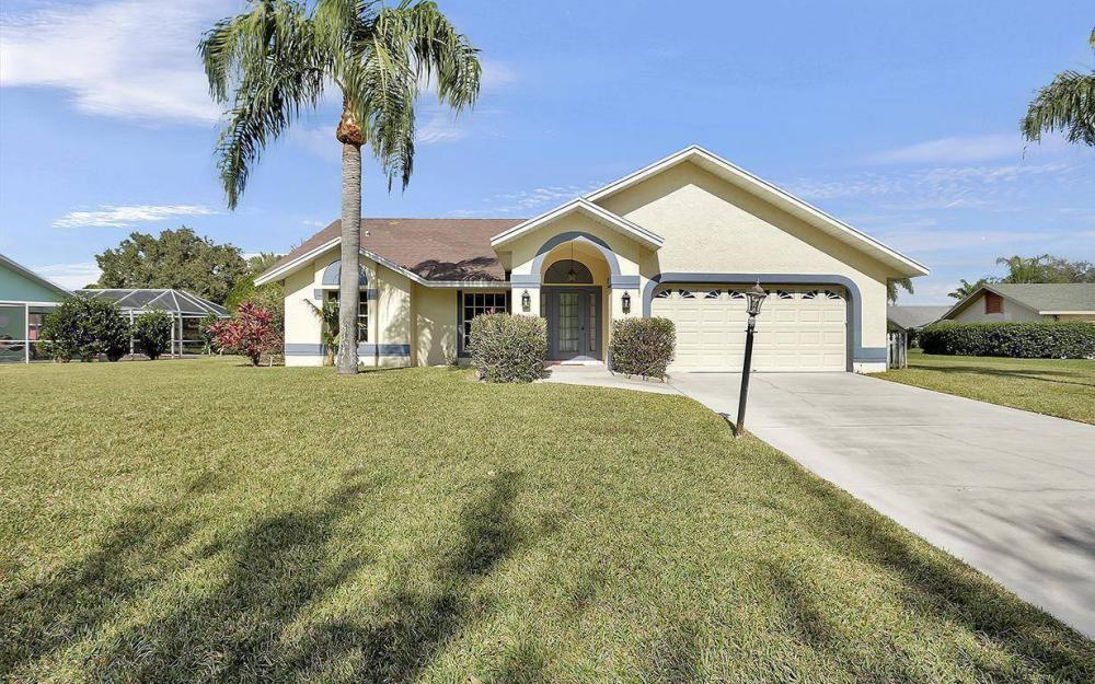 693 Grass Cove Ct, Lehigh Acres - House For Sale 1274887528