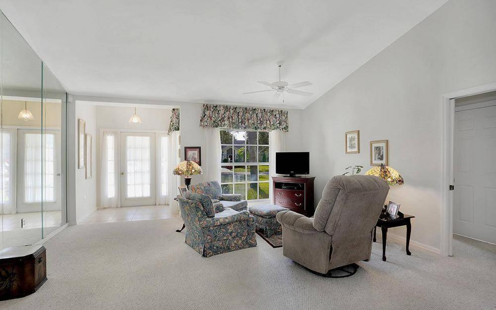 693 Grass Cove Ct, Lehigh Acres - House For Sale 1036304423