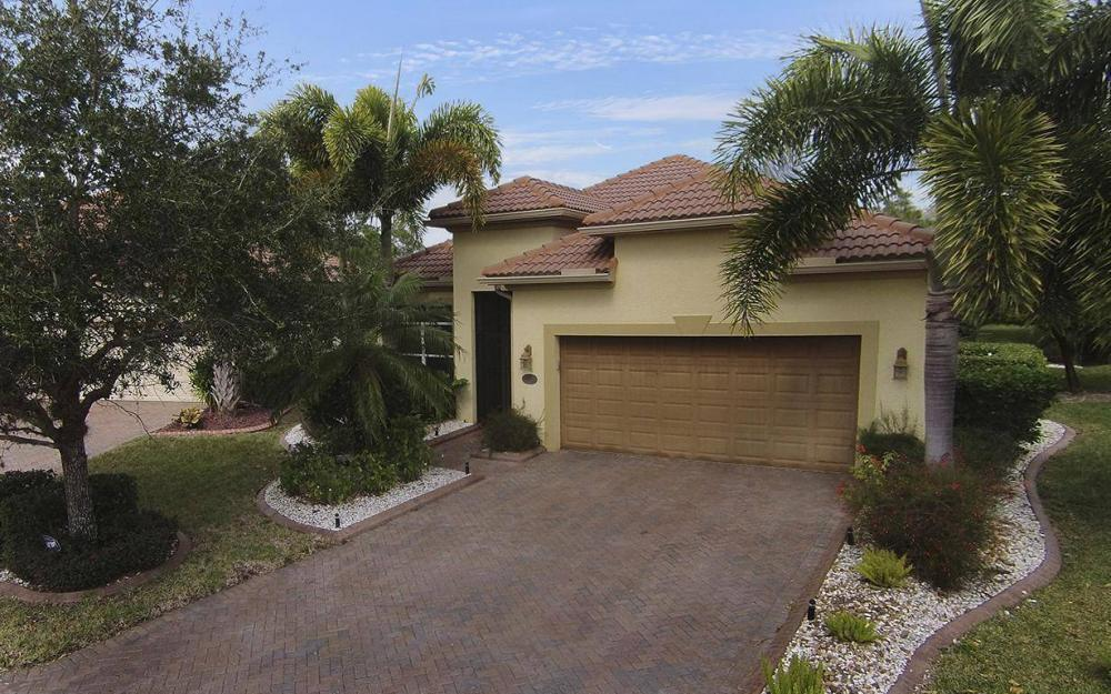 13868 Sorano Ct, Estero - House For Sale 37738272