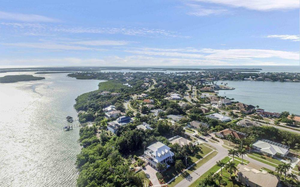 1811 Dade Ct, Marco Island - House For Sale 377143850
