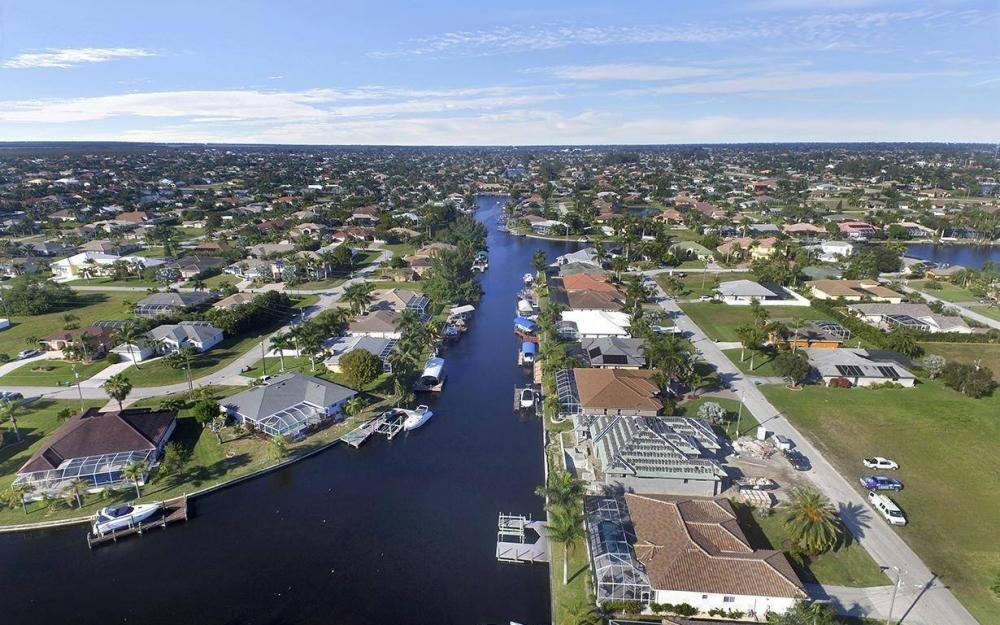 5334 SW 22nd Pl, Cape Coral - House For Sale 1586382640