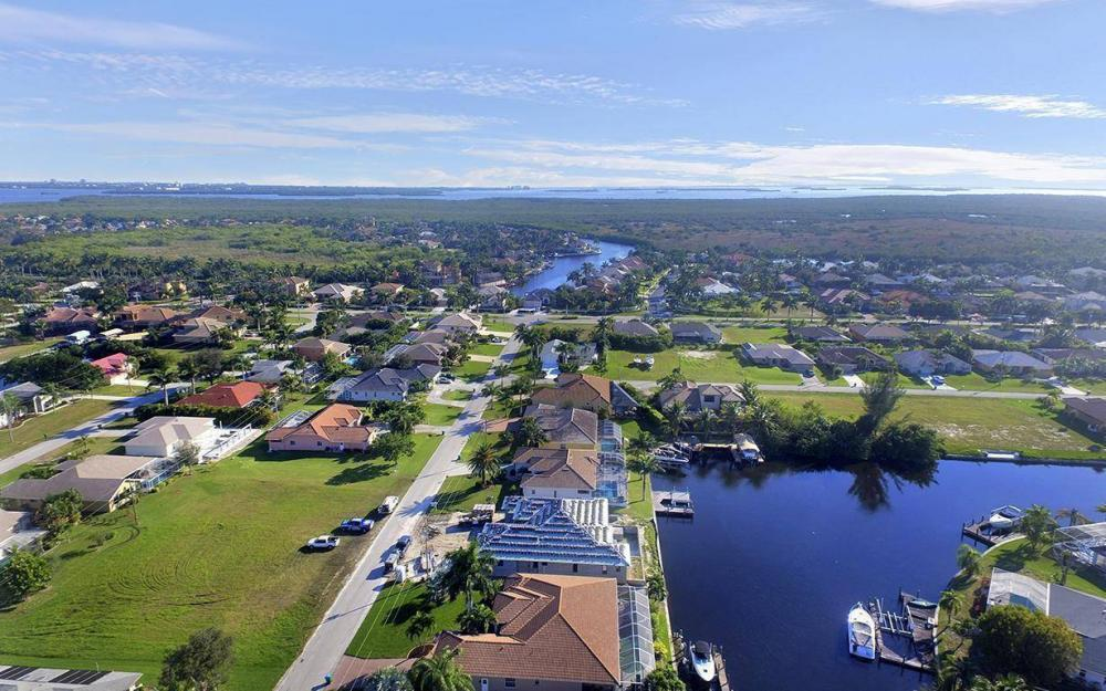 5334 SW 22nd Pl, Cape Coral - House For Sale 1858802764