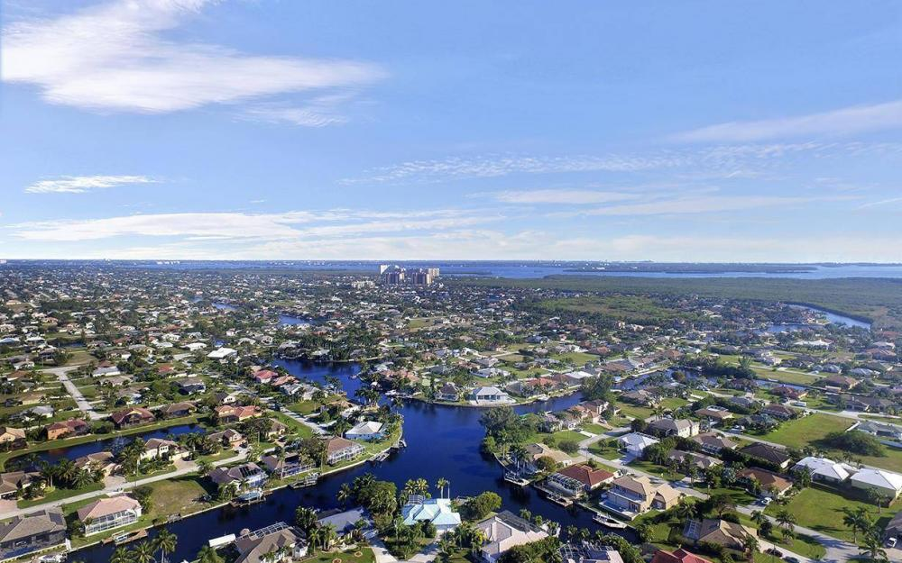 5334 SW 22nd Pl, Cape Coral - House For Sale 2127279035