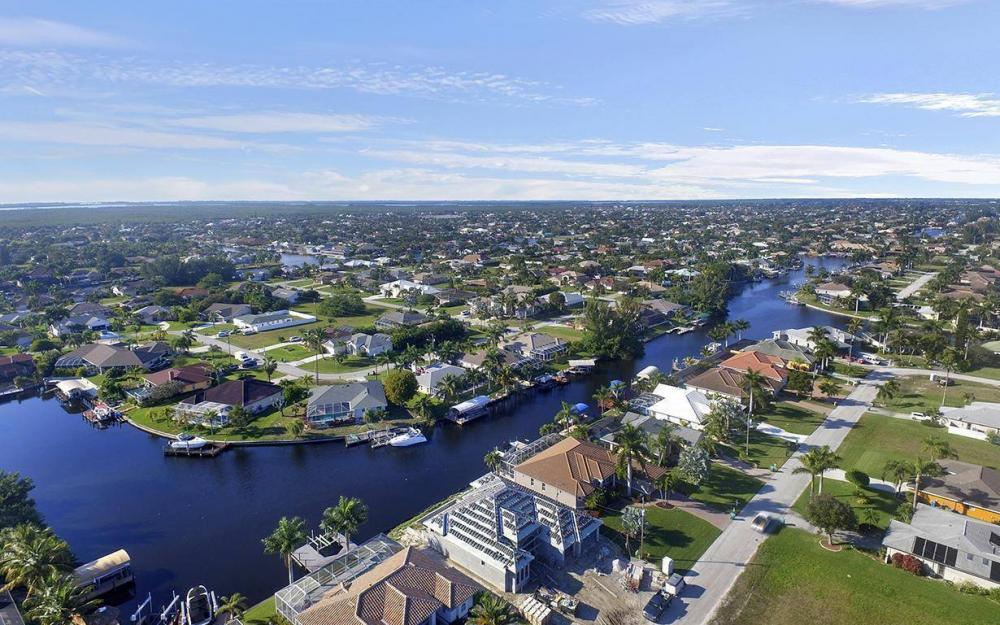 5334 SW 22nd Pl, Cape Coral - House For Sale 1728144367