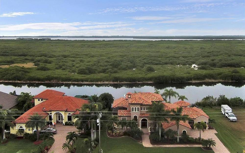 3520 Surfside Blvd, Cape Coral - House For Sale 1604334197