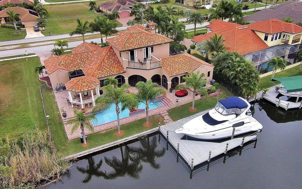 3520 Surfside Blvd, Cape Coral - House For Sale 449936147