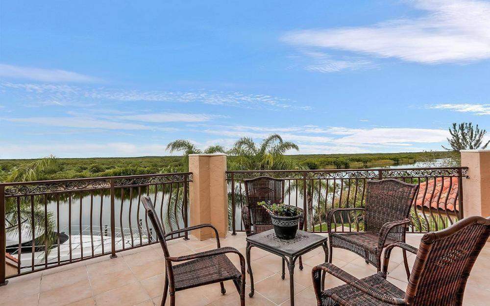 3520 Surfside Blvd, Cape Coral - House For Sale 953172649