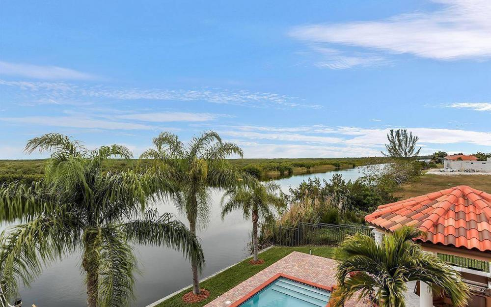 3520 Surfside Blvd, Cape Coral - House For Sale 2125348004
