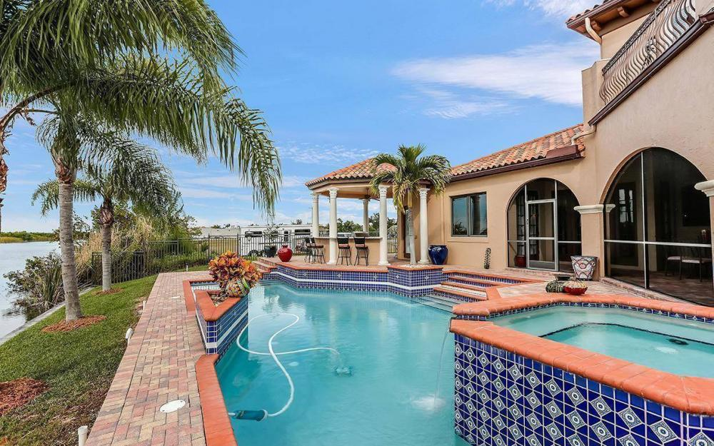 3520 Surfside Blvd, Cape Coral - House For Sale 552642779