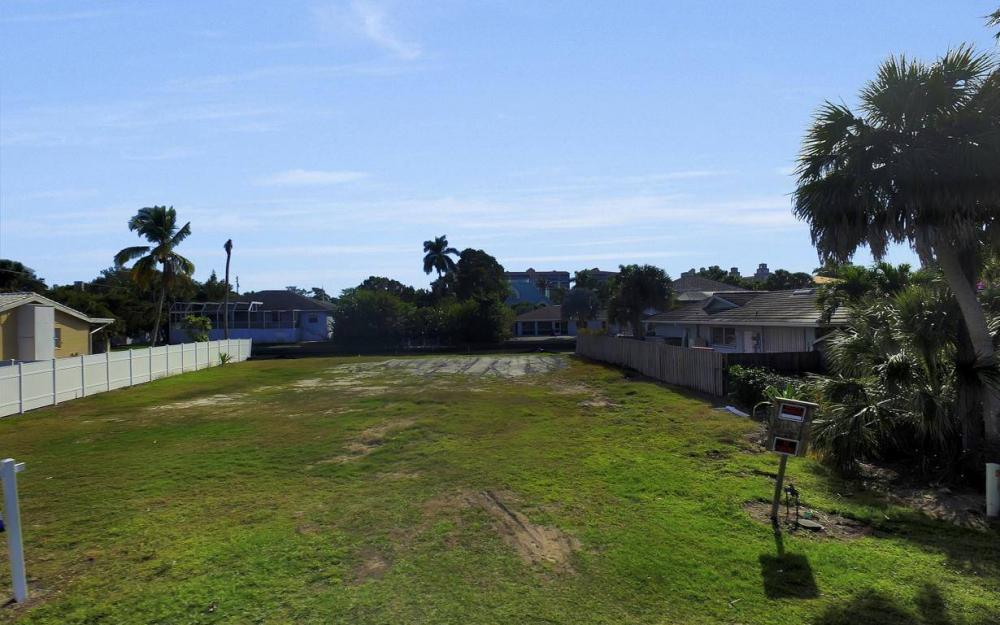 476 Pine Ave, Naples - Lot For Sale 811998232