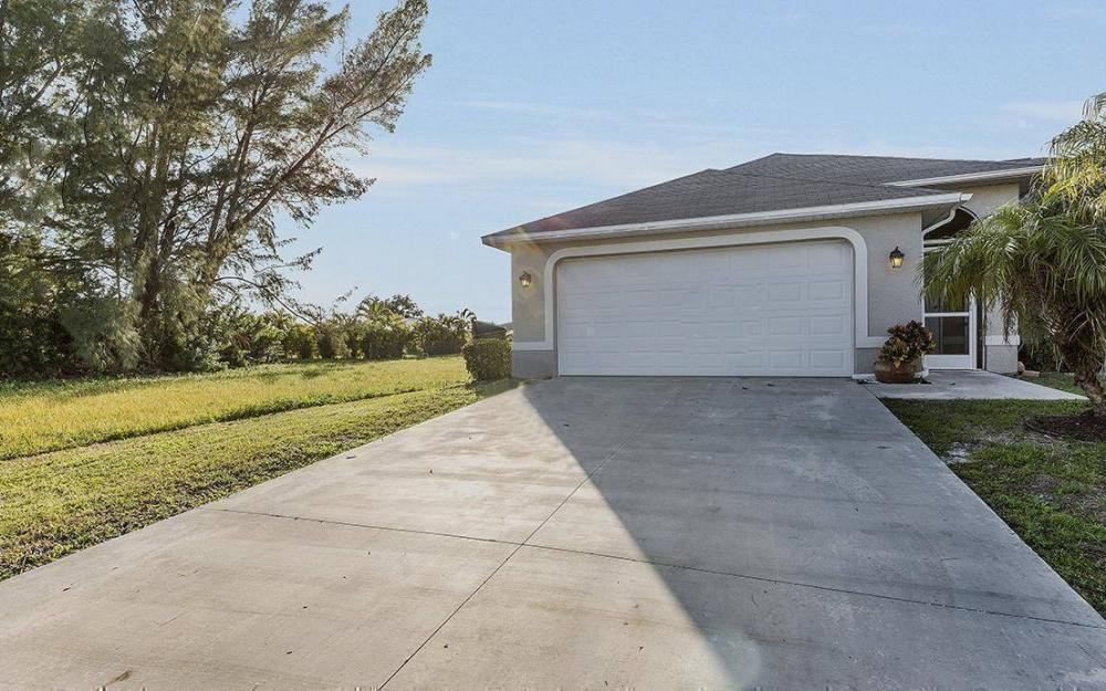 112 SW 35th Ave, Cape Coral - House For Sale 1743981282
