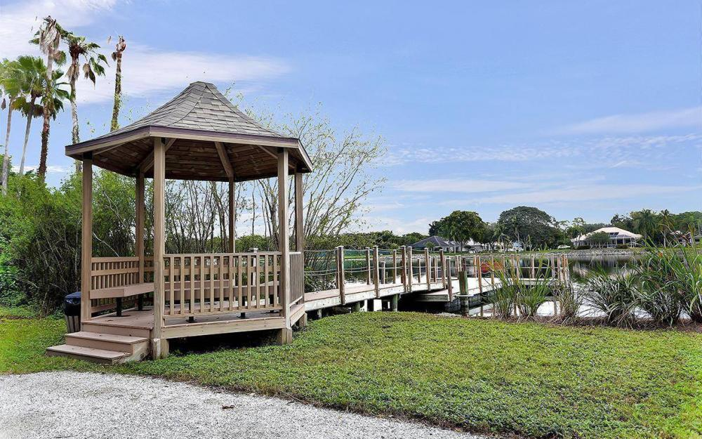9811 Cuddy Ct, Fort Myers - House For Sale 40867812