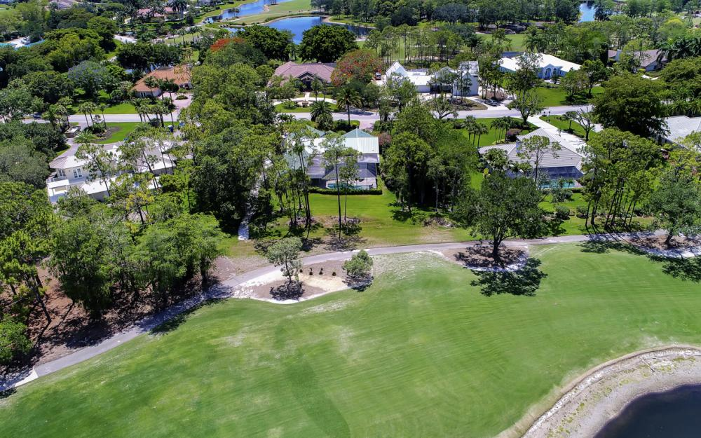 12856 Valewood Dr, Naples - House For Sale 2022777779