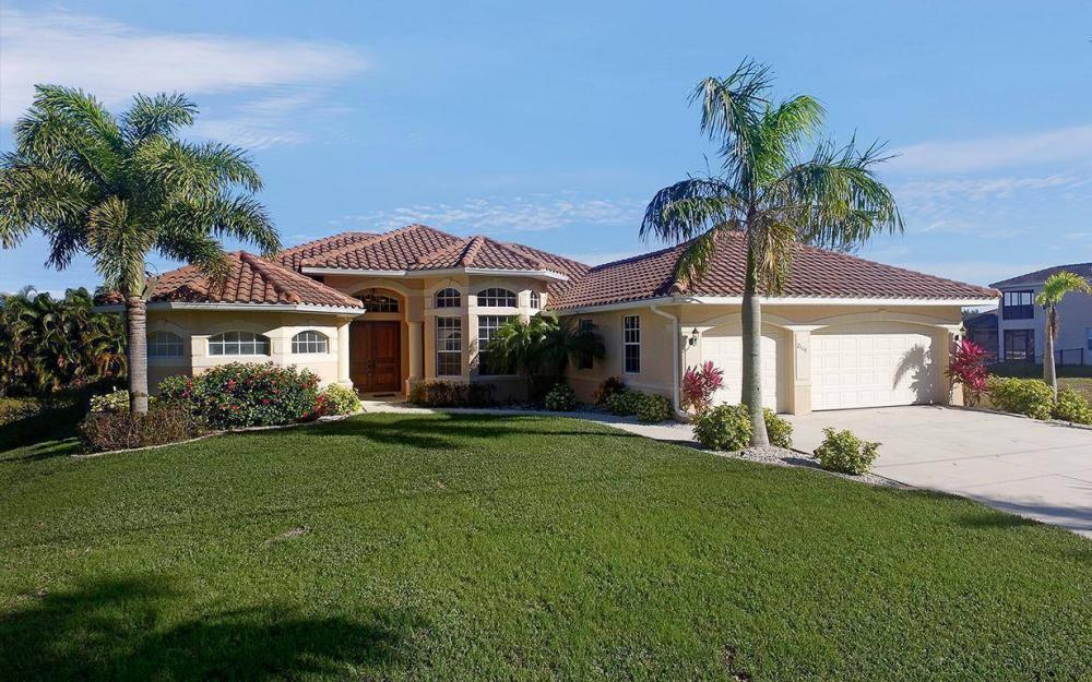 2115 SW 4th St, Cape Coral - House For Sale 2010750705
