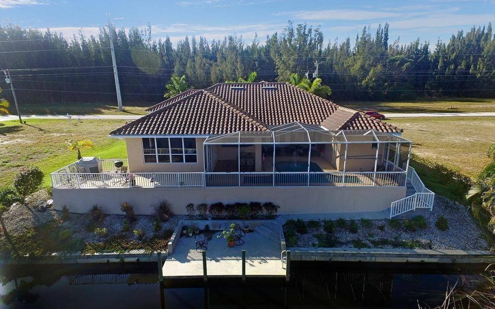 2115 SW 4th St, Cape Coral - House For Sale 771688314