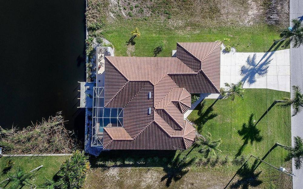 2115 SW 4th St, Cape Coral - House For Sale 672577805