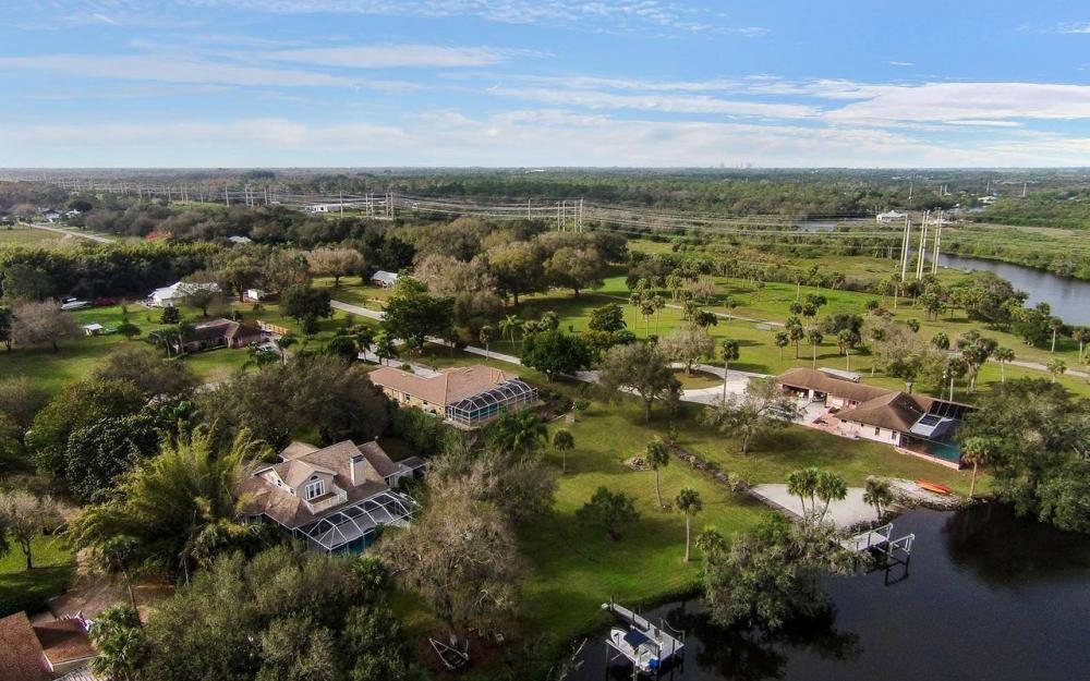 3180 River Grove Cir, Fort Myers - House For Sale 1968144710
