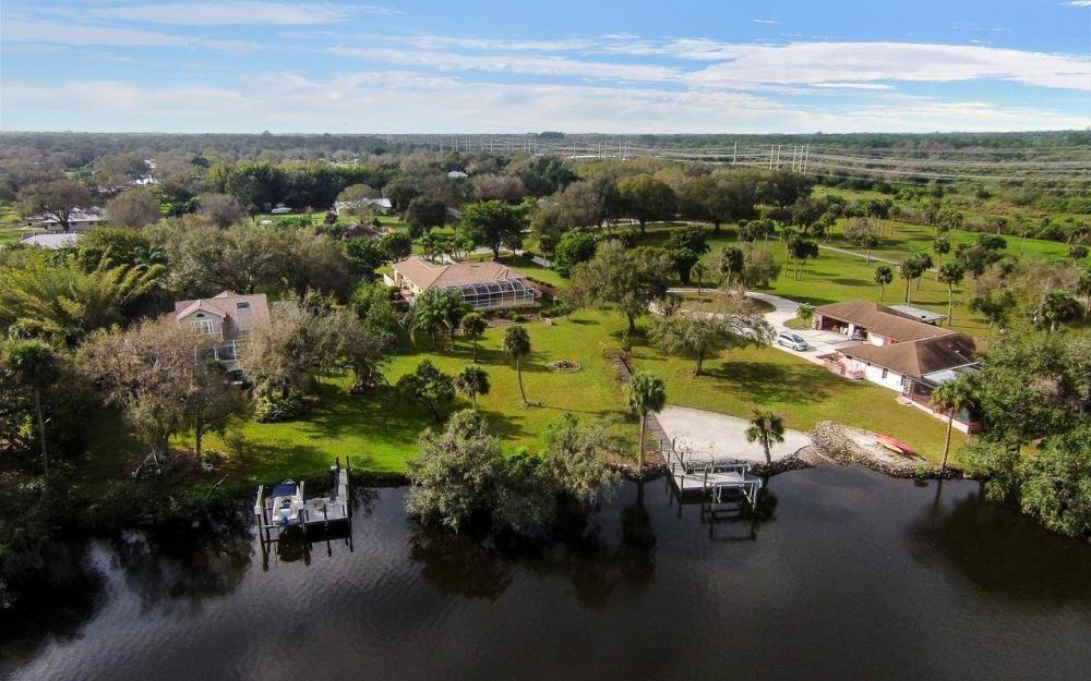 3180 River Grove Cir, Fort Myers - House For Sale 625523709