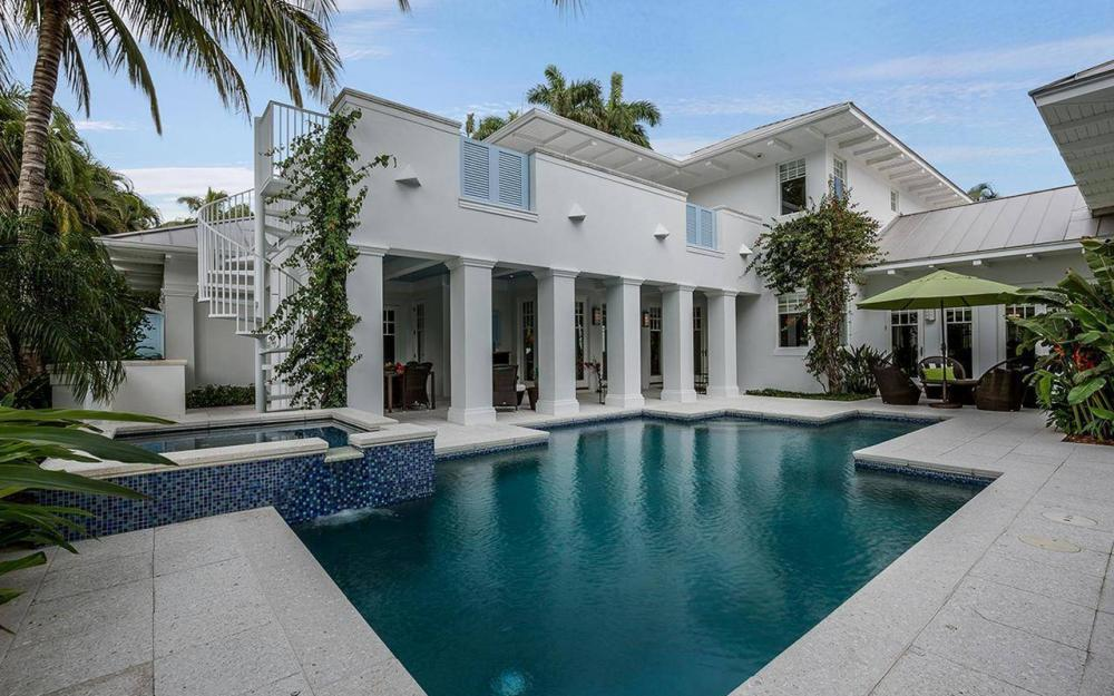 137 1st Ave N, Naples - House For Sale 304540451
