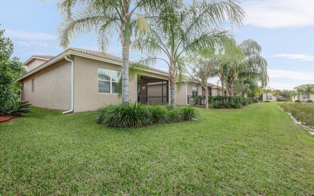 10443 Spruce Pine Ct, Fort Myers - House For Sale 895956353