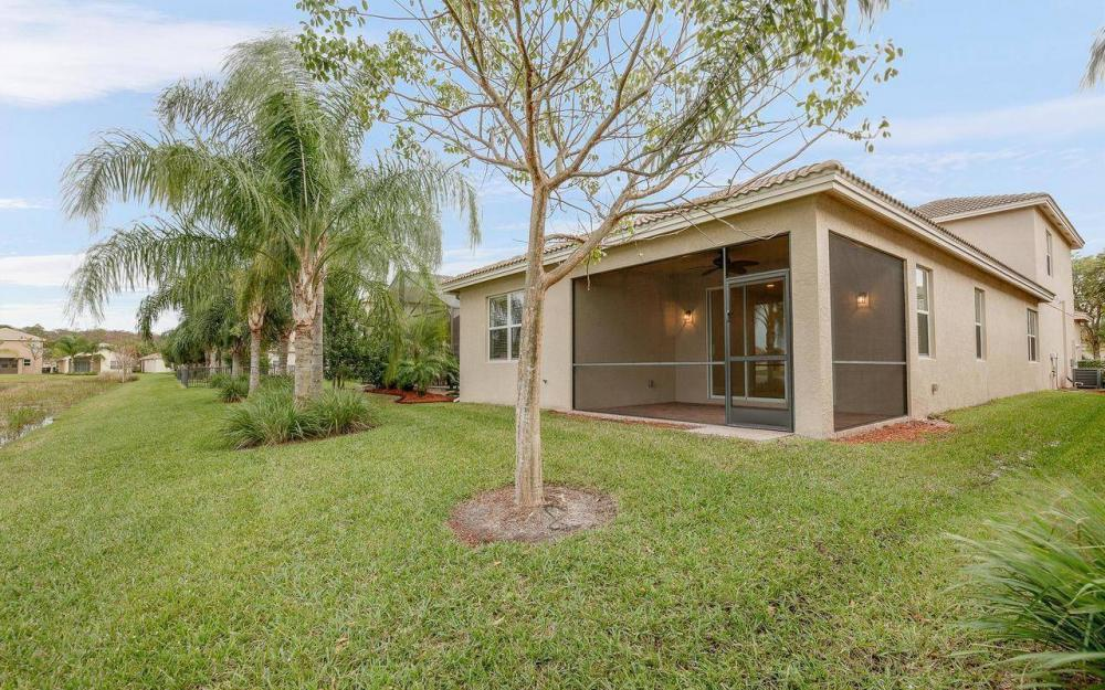 10443 Spruce Pine Ct, Fort Myers - House For Sale 964945320