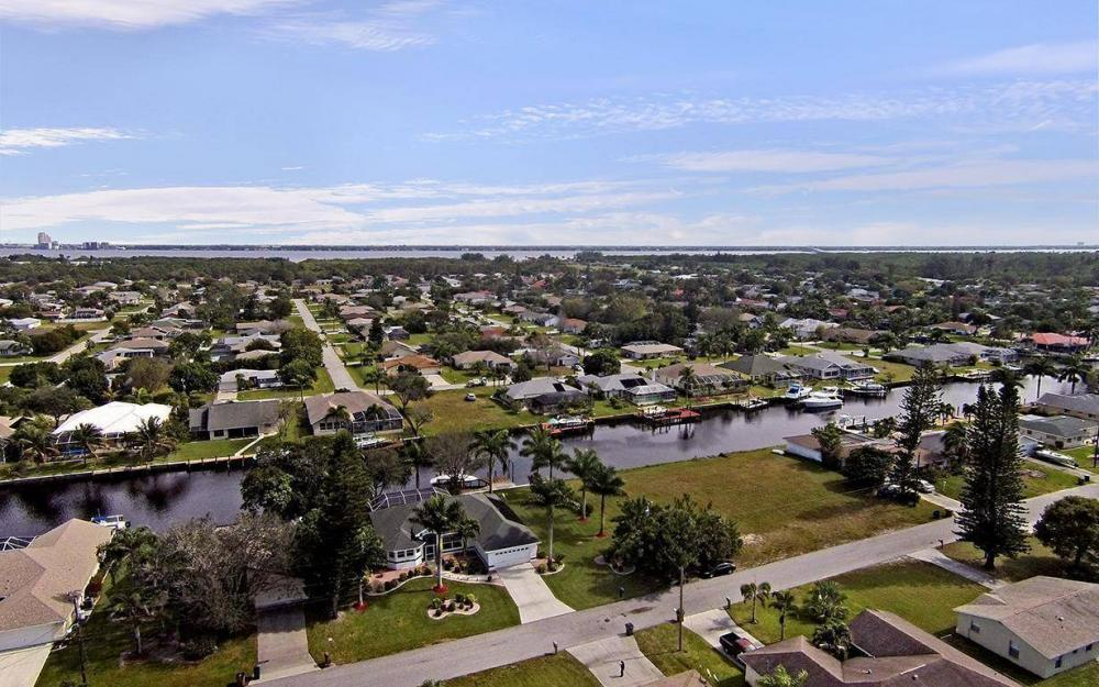 1317 SE 20th Ct, Cape Coral - House For Sale 1028079815