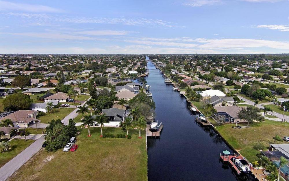 1317 SE 20th Ct, Cape Coral - House For Sale 55412000