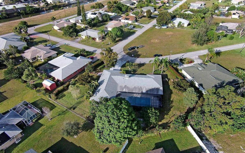 1306 SE 12th St, Cape Coral - House For Sale 1995380187