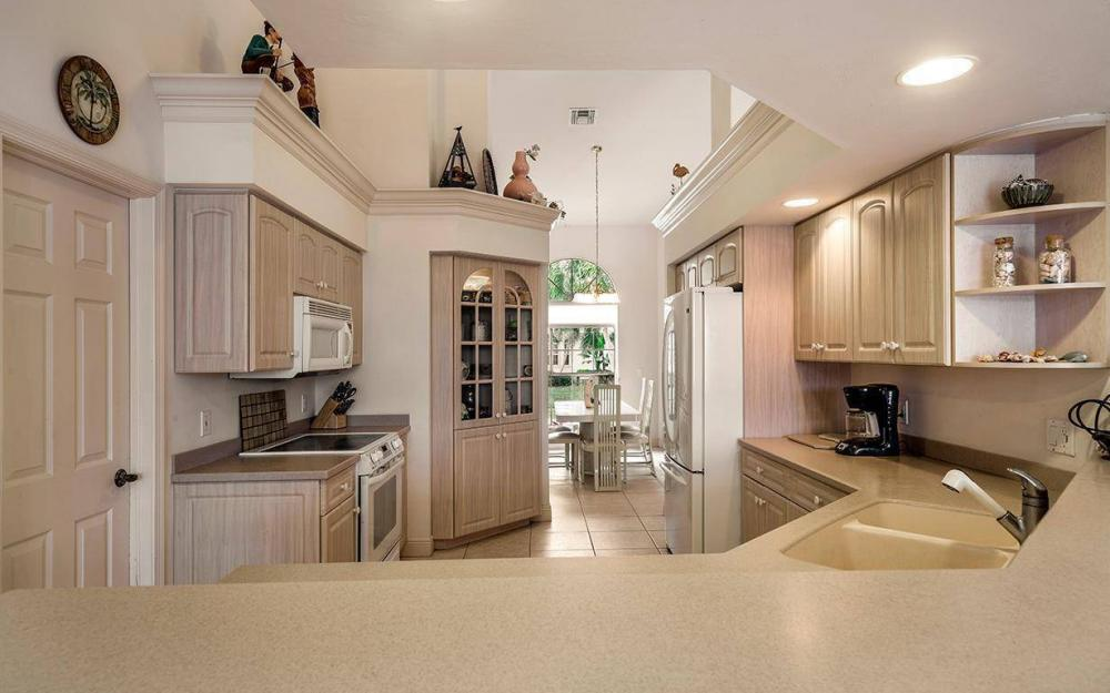 609 Crescent St, Marco Island - House For Sale 989472892