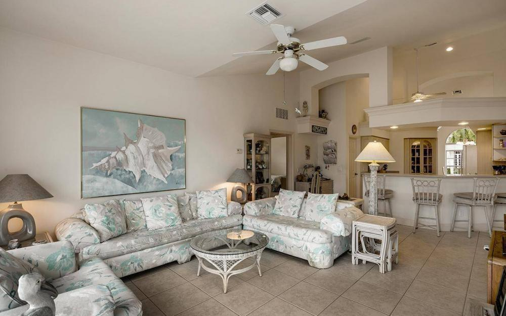 609 Crescent St, Marco Island - House For Sale 687196335