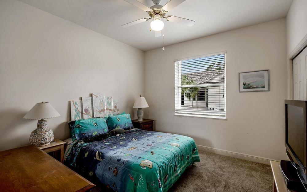 609 Crescent St, Marco Island - House For Sale 2134448574