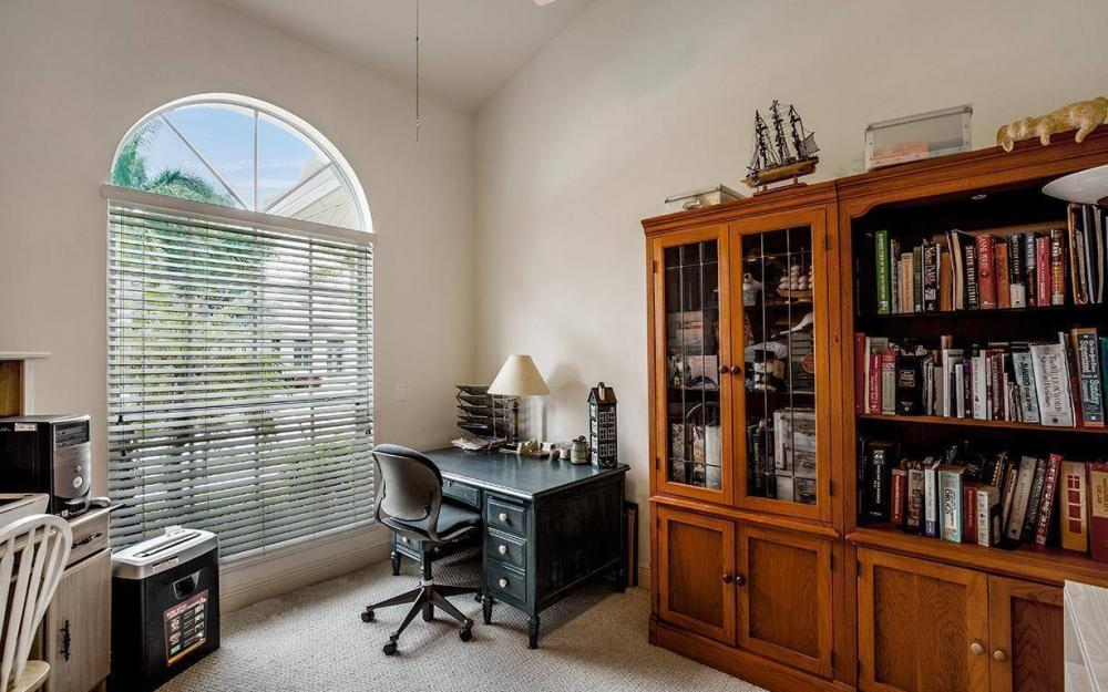 609 Crescent St, Marco Island - House For Sale 809863372