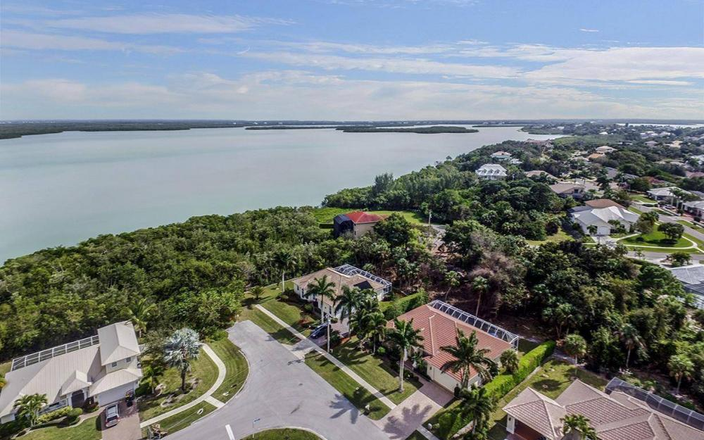 1722 Dogwood Dr, Marco Island - House For Sale 959690764