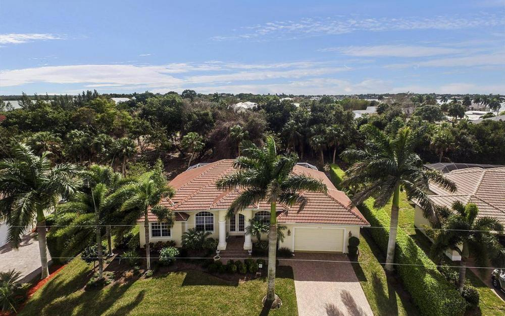 1722 Dogwood Dr, Marco Island - House For Sale 1685313156