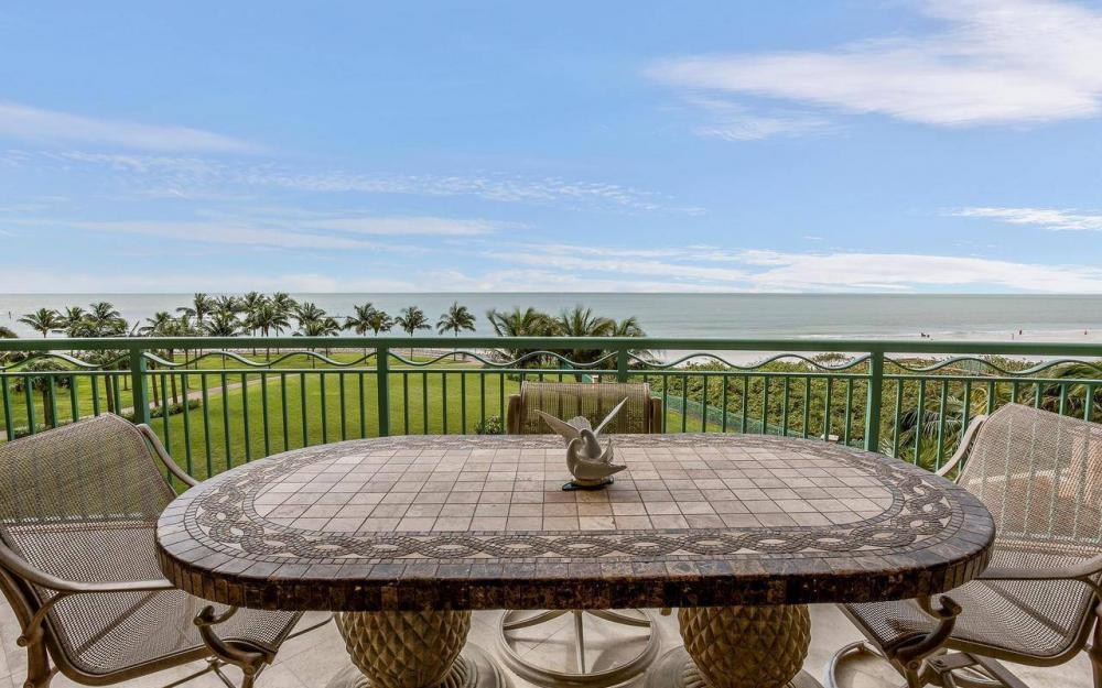 940 Cape Marco Dr #402, Marco Island - Condo For Sale 1757681088