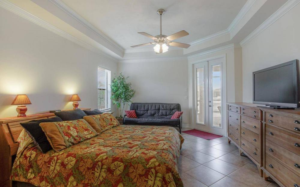 2801 SW 33rd St, Cape Coral - House For Sale 1324195513