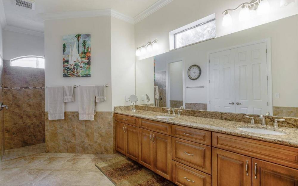 2801 SW 33rd St, Cape Coral - House For Sale 950423143