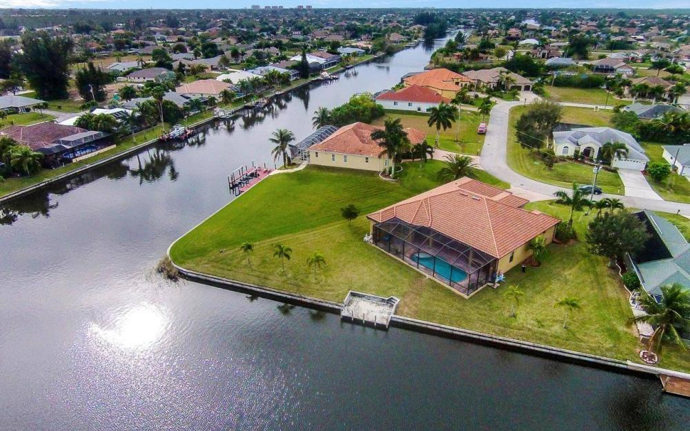 2801 SW 33rd St, Cape Coral - House For Sale 75589971