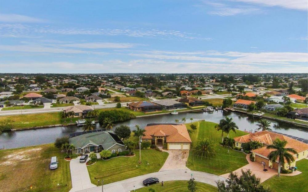 2801 SW 33rd St, Cape Coral - House For Sale 611991309
