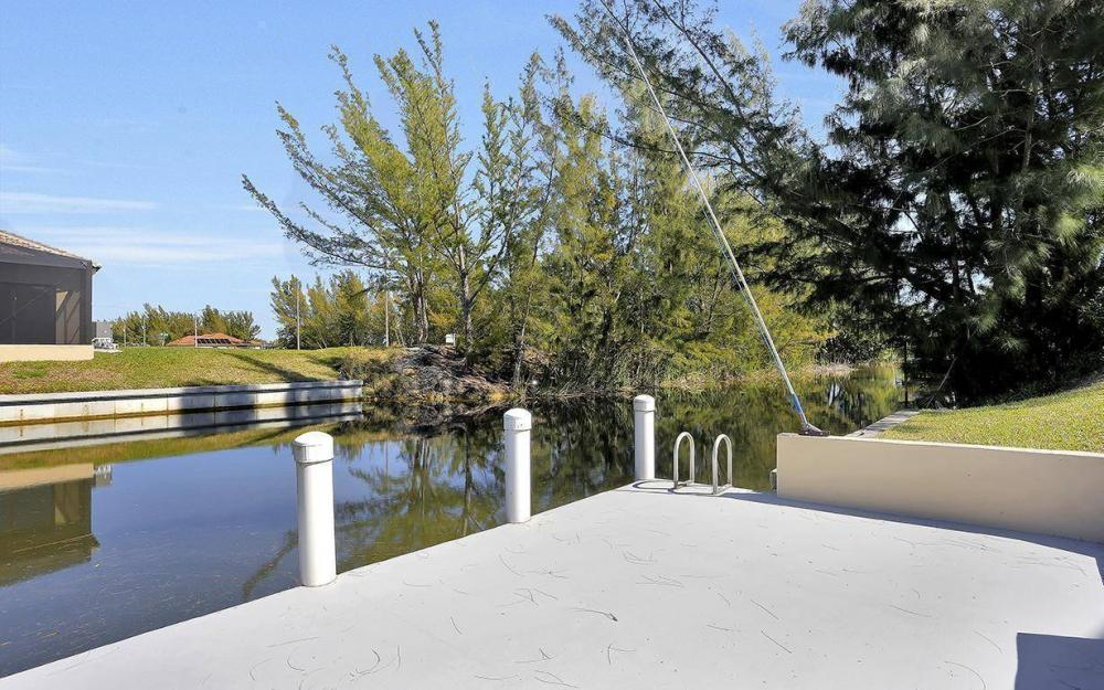1721 SW 29th Ter, Cape Coral - House For Sale 783572270
