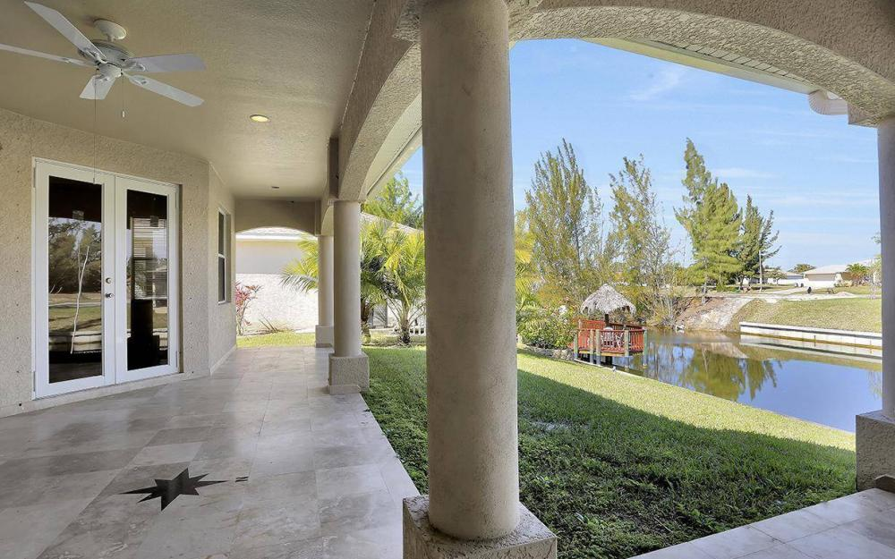 1721 SW 29th Ter, Cape Coral - House For Sale 1963137653