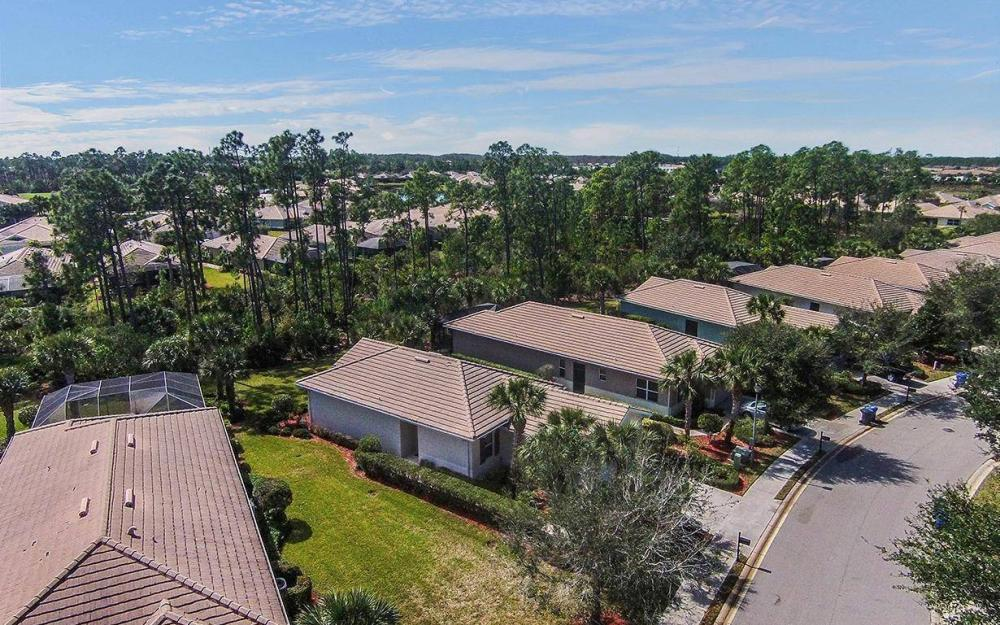10618 Camarelle Cir, Fort Myers - House For Sale 621459936