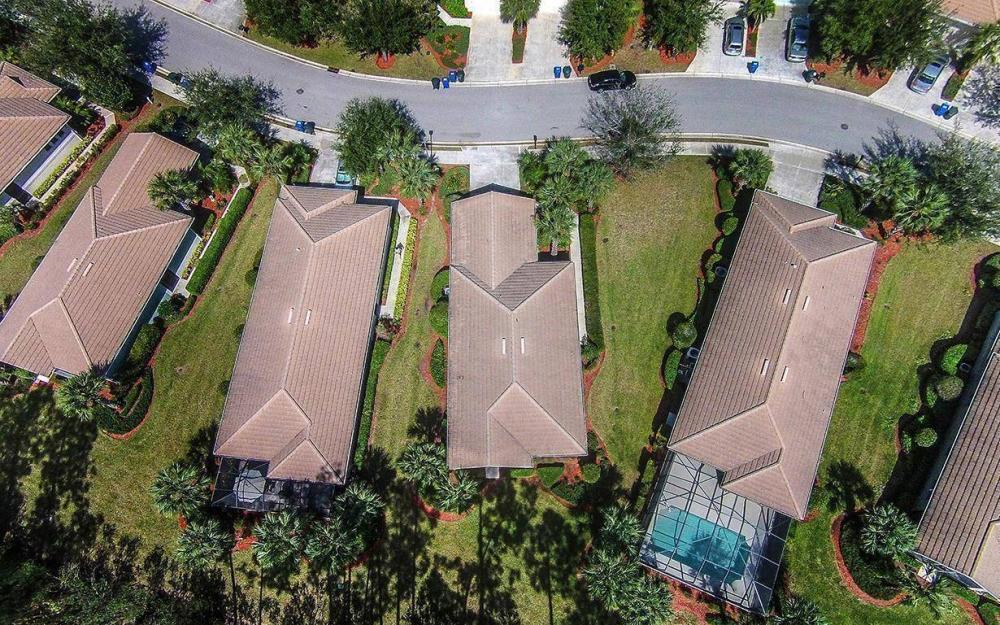10618 Camarelle Cir, Fort Myers - House For Sale 1764006111