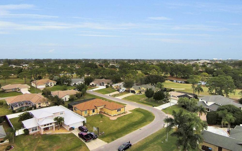 1205 SW 18th Ter, Cape Coral - House For Sale 1018006350