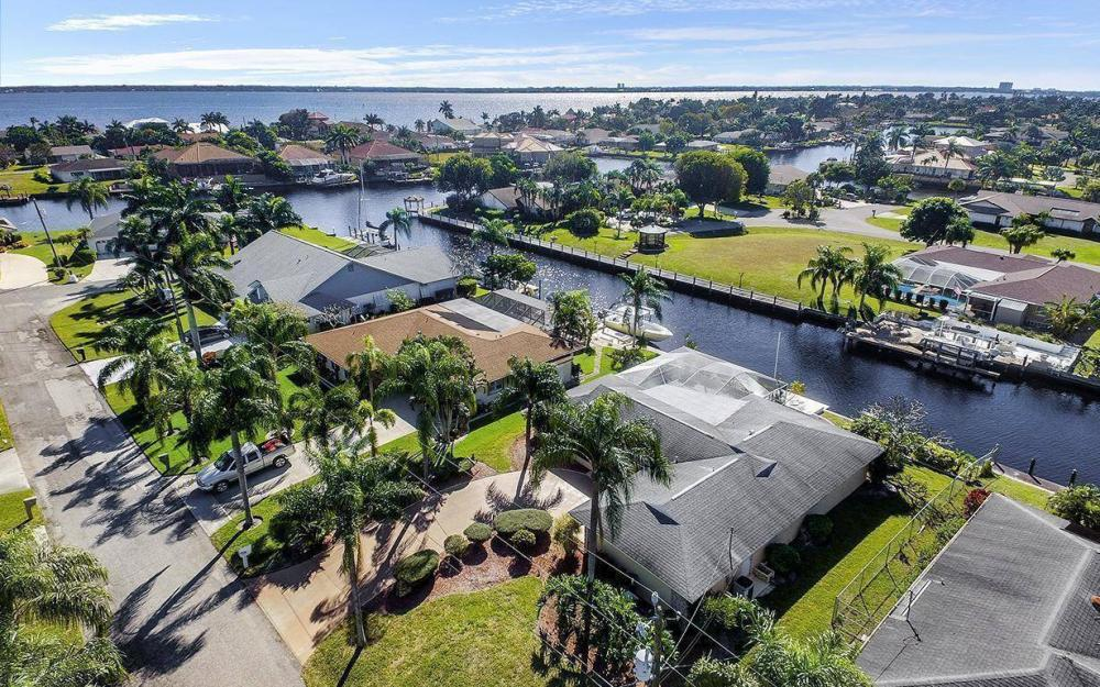 1940 SE 31st Ter, Cape Coral - House For Sale 1720947646