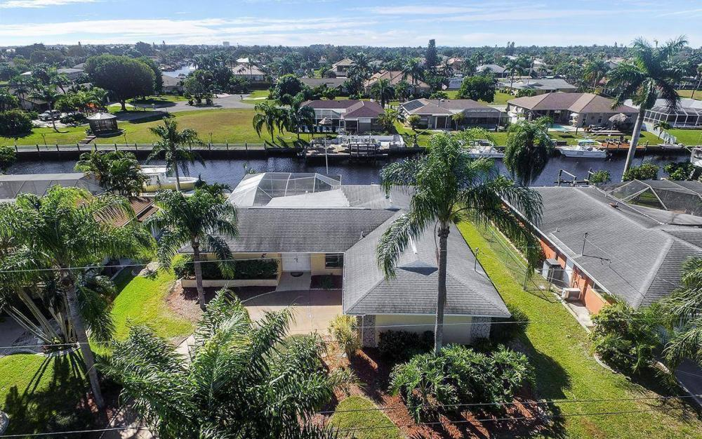 1940 SE 31st Ter, Cape Coral - House For Sale 314283961